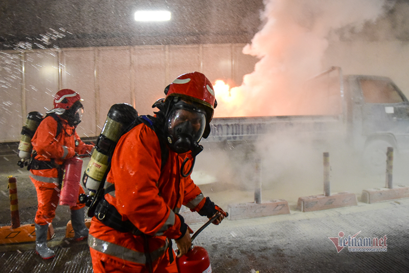Diễn tập cứu 40 người bị nạn trong vụ cháy hầm Thủ Thiêm