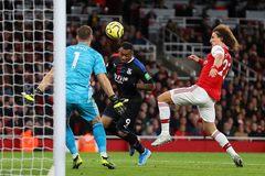 Arsenal đánh rơi chiến thắng dù dẫn trước 2 bàn
