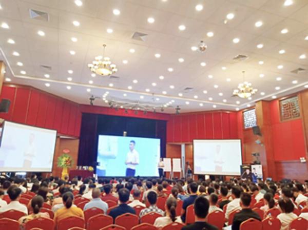 CEO 9X chia sẻ hành trình theo đuổi đam mê marketing online