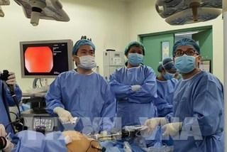 Vietnamese doctors introduce robotic surgery overseas