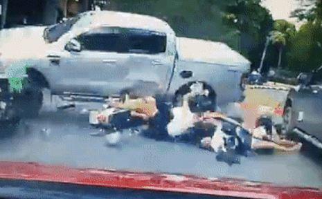 xe bán tải,tai nạn kinh hoàng,Ford Ranger