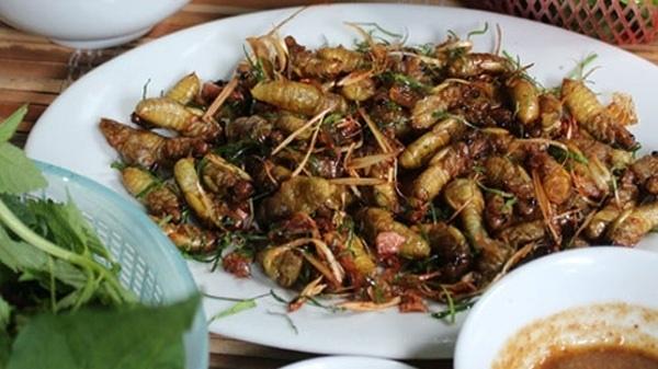 Dried milk cicadas,vietnam food,travel news,Vietnam guide,Vietnam tour,travelling to Vietnam,Vietnam travelling