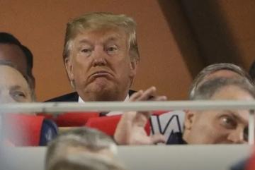 Ông Trump bị khán giả la ó khi đi xem bóng chày