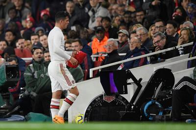 Arsenal loạn phòng thay đồ vì đội trưởng Granit Xhaka