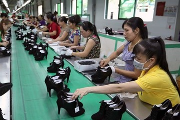 Vietnamese businesses concerned about overtime hour draft law