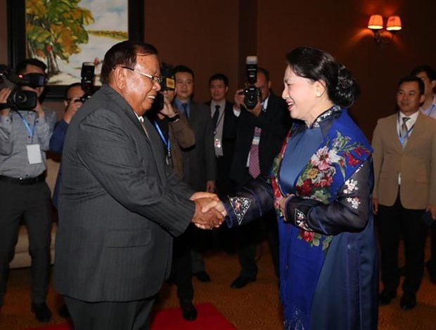 Vietnamese Party leader, President receives Lao counterpart