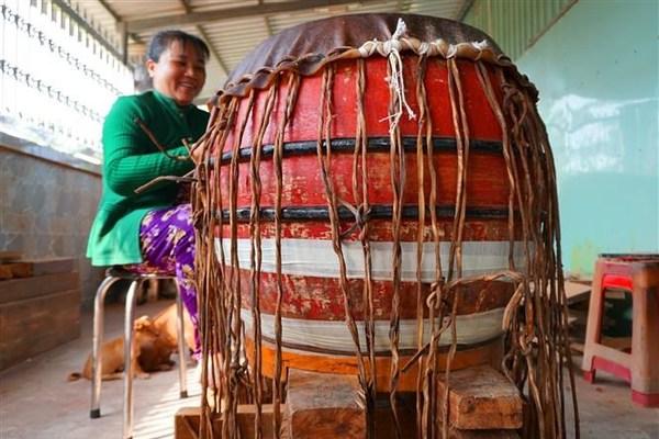 Binh An drum-making village
