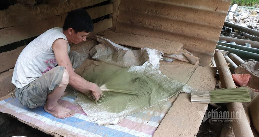 Công viên địa chất Cao Bằng: Làng làm hương trăm tuổi của người Nùng