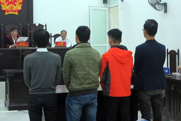 Hầu tòa vì vòi tiền tỷ để gỡ bài nói xấu thẩm mỹ viện Kangnam