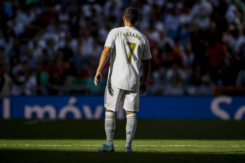 Ronaldo tiết lộ bí mật ở MU, Hazard than trời