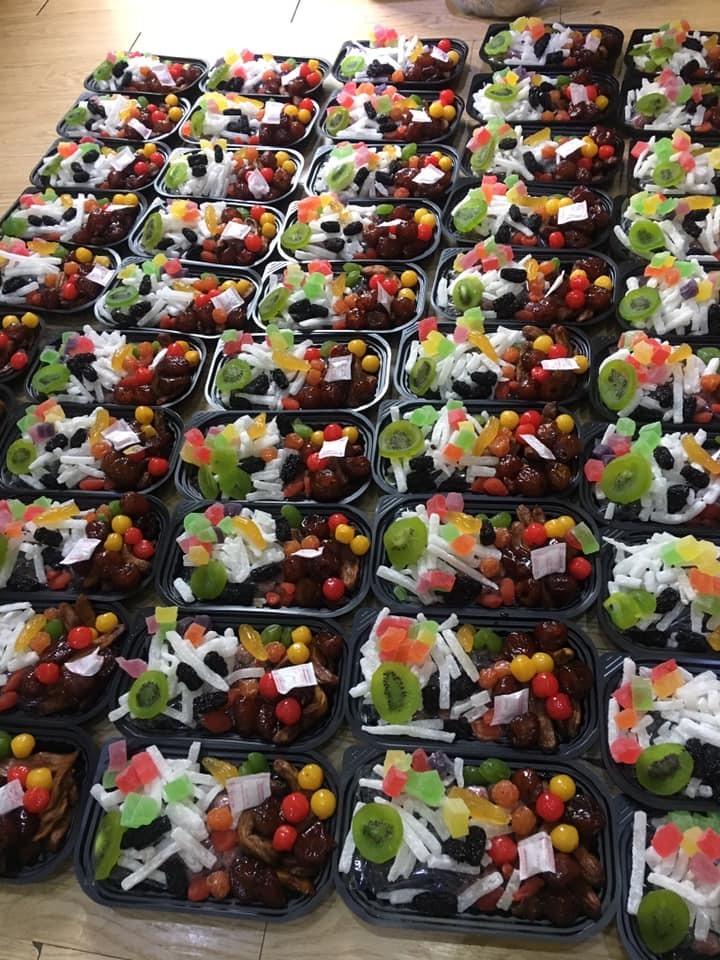 Mứt Tết trái cây bảy sắc cầu vồng, giật mình hàng cao cấp 35 ngàn/kg