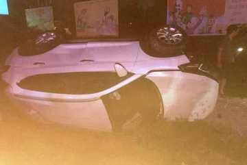 Phó bí thư huyện ủy ở Thanh Hóa lái ô tô bị tàu hỏa đâm tử vong