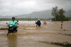 Dự báo thời tiết 30/10, bão giật cấp 11 tiến sát Bình Định - Ninh Thuận