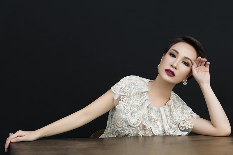 Uyên Linh: 'Ai từng yêu tôi không thể quên cách tôi đã yêu họ'