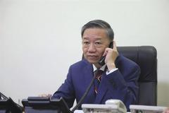 Đại tướng Tô Lâm điện đàm với Bộ trưởng Nội vụ Anh bàn vụ 39 người chết