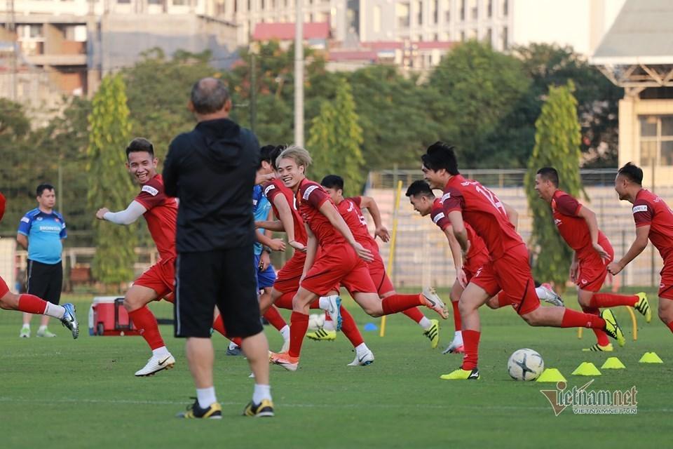 Trọng Hoàng muốn đá SEA Games, thầy Park nói 'cứ từ từ'