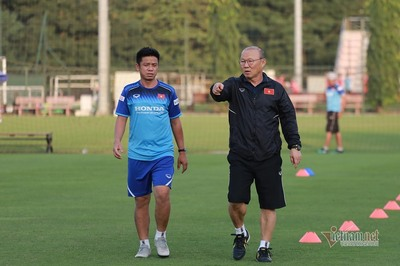 """Trọng Hoàng muốn đá SEA Games, thầy Park nói """"cứ từ từ"""""""