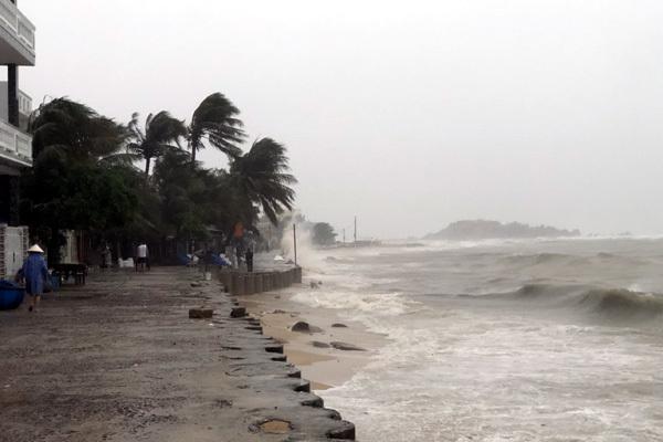 Dự báo thời tiết 31/10, bão số 5 suy yếu, mưa lớn ở miền Trung