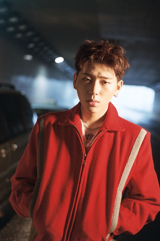 Thần tượng K-Pop bị bạn tố quỵt tiền, lấy trộm đồ