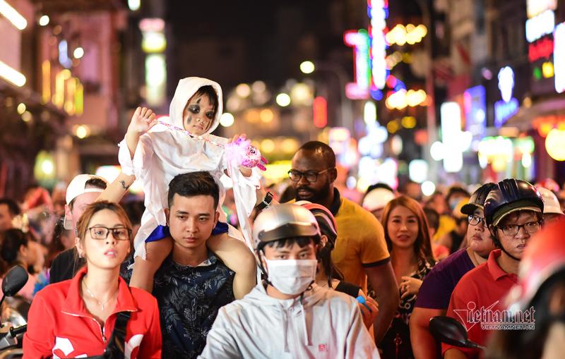 'Quý ông' Sài Gòn làm điều ám ảnh ở phố Tây Bùi Viện