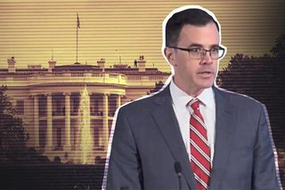 Rò rỉ tin cố vấn an ninh quốc gia Mỹ từ chức trước điều trần luận tội ông Trump