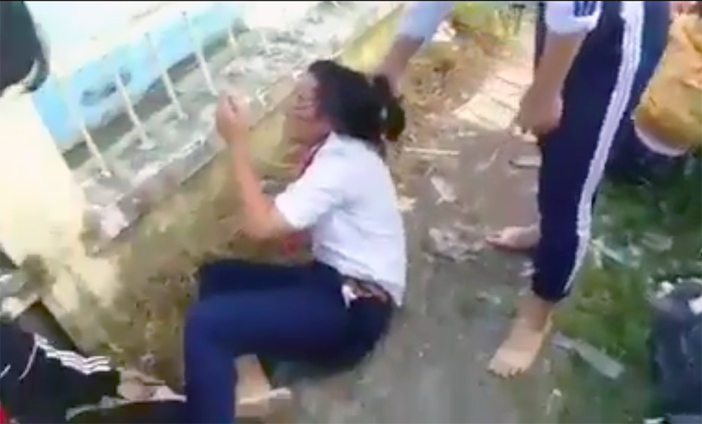 bạo lực học đường,học sinh đánh nhau,Đồng Tháp,nữ sinh đánh nhau
