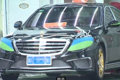 Mercedes-Benz mạ vàng bị mất trộm vì lỗi ngớ ngẩn của chủ xe