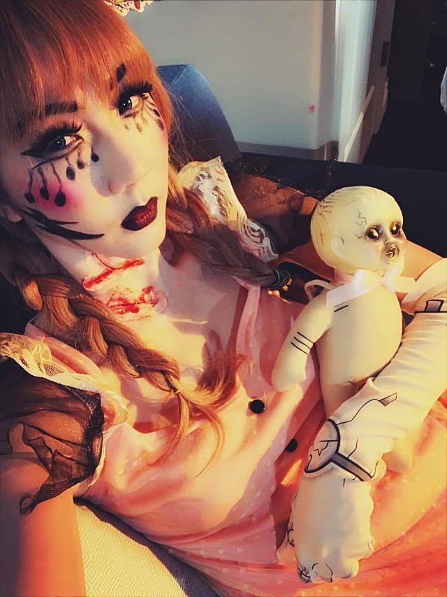 Sao Việt hóa búp bê ma, tuần lộc máu dịp Halloween
