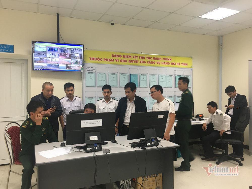 Chìm tàu ở cảng Sơn Dương-Formosa Hà Tĩnh, 10 người mất liên lạc