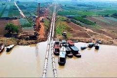 Nước sạch Hà Nội: Mua đắt của doanh nghiệp, tăng giá cho dân