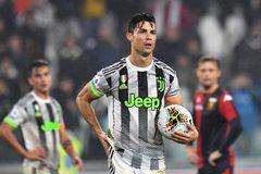 Quả 11m cứu Juventus của Ronaldo bị đưa lên Thượng viện Italia