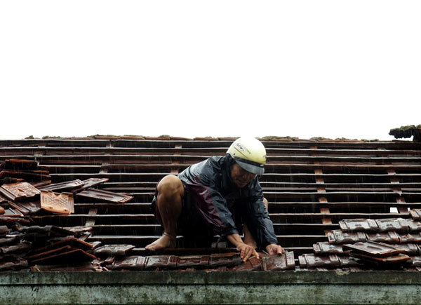 Typhoon Matmo injures 6, collapses hundreds of houses in Vietnam