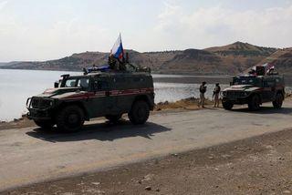 Nga huy động 300 lính, 20 xe bọc thép đến bắc Syria