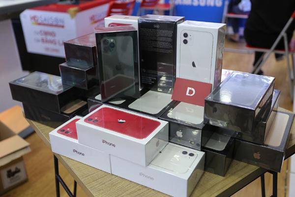 iPhone 11, 11 Pro, 11 Pro Max mã VN/A giảm đến 3 triệu ở Di Động Việt