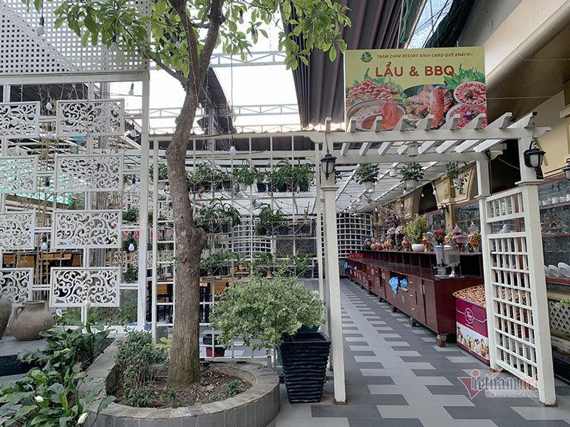 'Tổ hợp ăn chơi' Tràm Chim vi phạm xây dựng ở vùng ven Sài Gòn