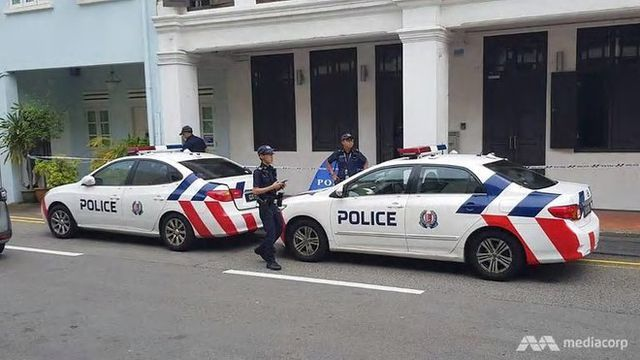 Quay video lén dưới váy du khách, người đàn ông tử vong khi bị bắt