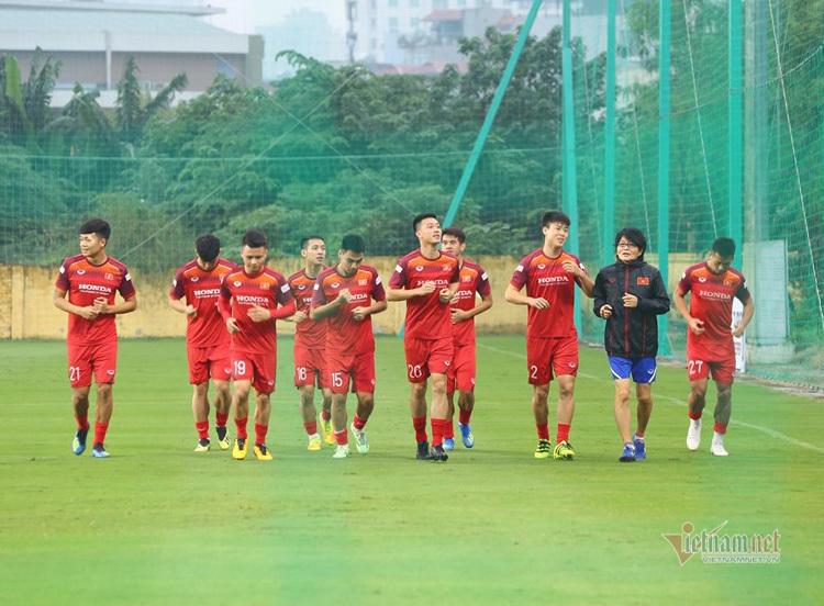 Hoàng Thịnh gửi lời thách đấu 'Messi Thái Lan' Chanathip