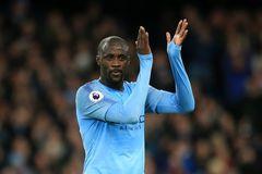MU tệ nhất Premier League, Yaya Toure bị đuổi sau 10 giây