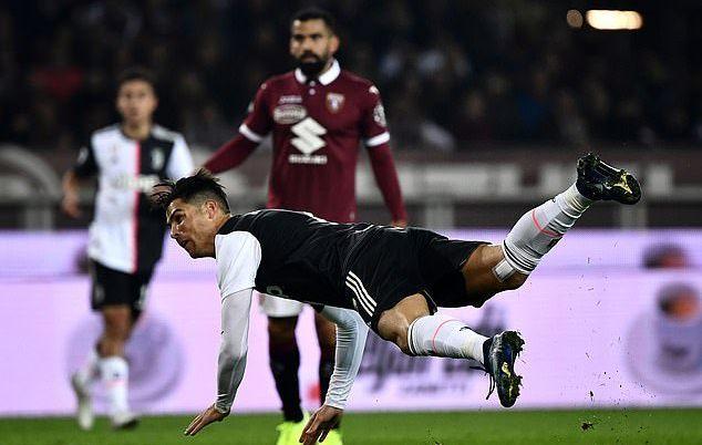 Ronaldo vô duyên, De Ligt sắm vai người hùng của Juventus