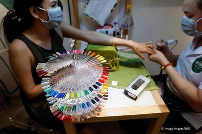 Lao động nhập cư lậu Việt Nam và mặt tối của 'công nghiệp' làm móng tại Anh