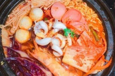 Nhân viên nhà hàng tiết lộ gây sốc về mì cay, lẩu Thái, buffet giá rẻ
