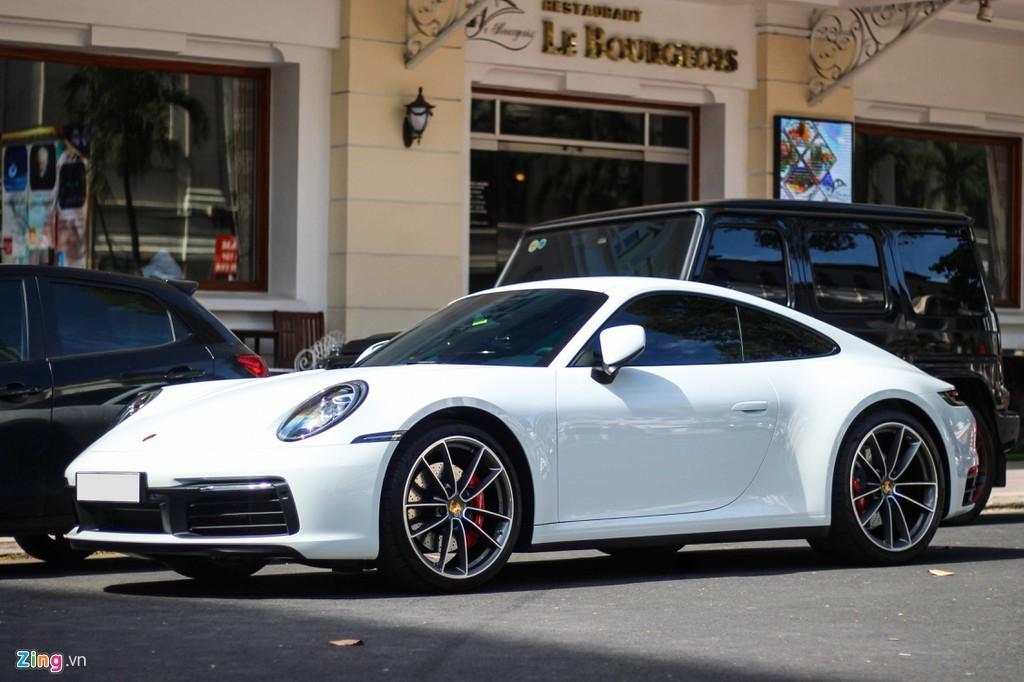 Vợ chồng Cường Đô la tậu Porsche gần 8 tỷ