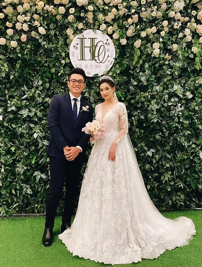 Vợ cố diễn viên Duy Nhân hạnh phúc trong ngày cưới