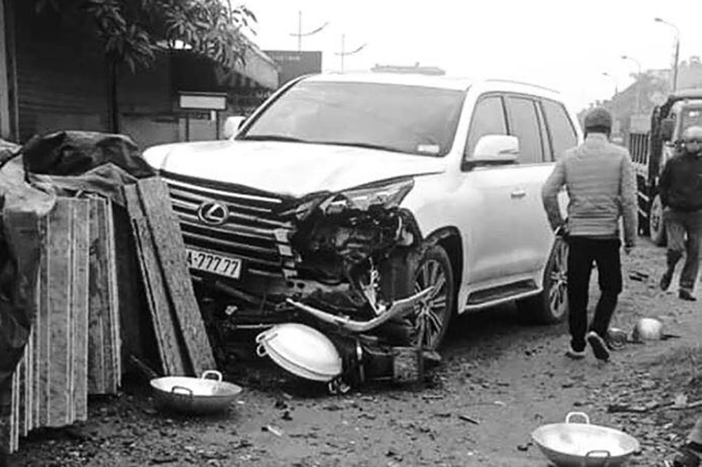 Danh tính tài xế xe Lexus ngũ quý 7 tông chết người phụ nữ ở Hà Nội