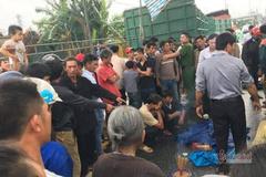 Bé lớp 2 bị xe tải cán tử vong khi chơi trước cửa nhà cạnh quốc lộ
