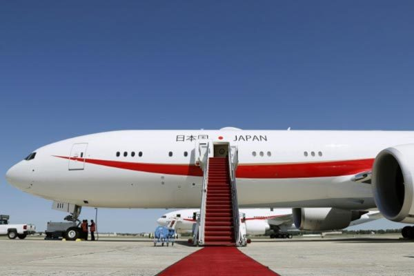 Chuyên cơ đưa Thủ tướng Nhật đi họp ASEAN gặp hỏa hoạn
