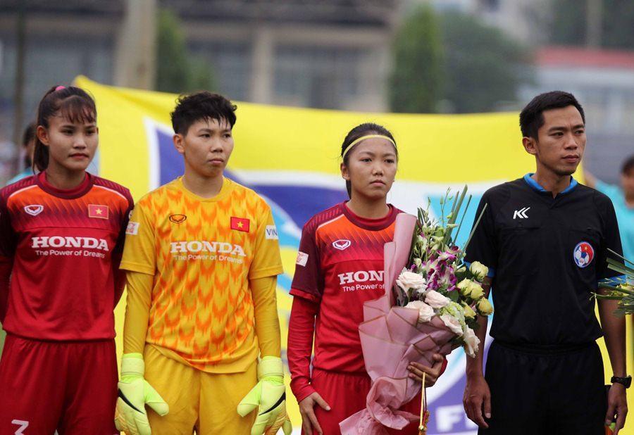 Tuyển nữ Việt Nam thắng đậm nữ Ấn Độ trước SEA Games 30