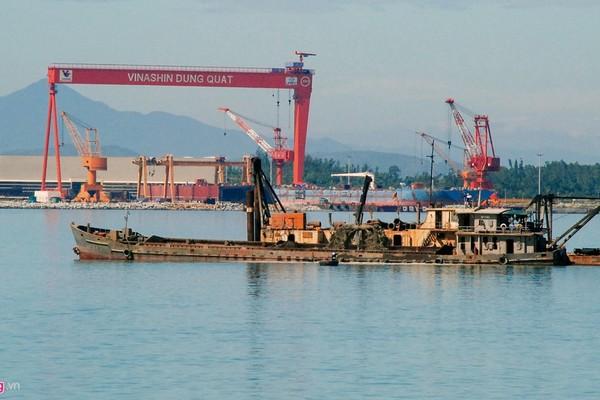 Con tàu 104.000 tấn 'đội vốn' hàng chục triệu USD ở Dung Quất