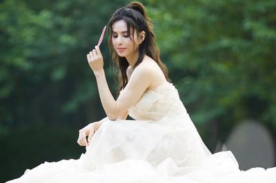 'Tiểu Long Nữ' Lý Nhược Đồng trẻ mãi như thần tiên nhờ không lấy chồng