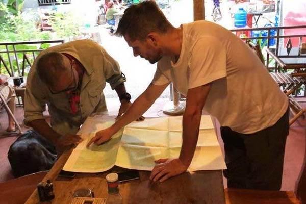 Thợ săn MH370 tiếp tục lục tìm trong rừng Campuchia